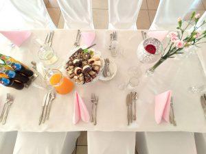 Wystrój stołów na przyjęcie